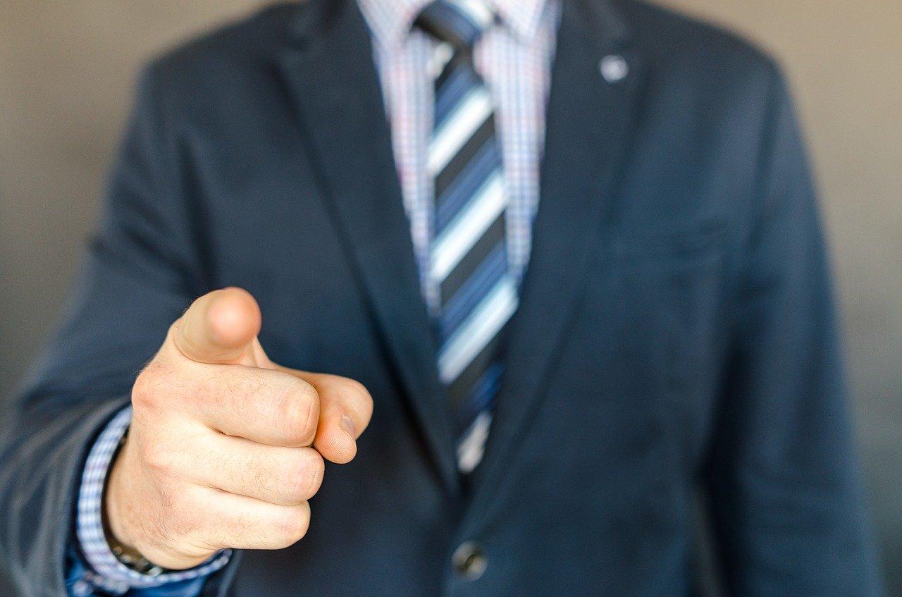 zwolnienie-pracownika-za-niewlasciwe-zachowanie