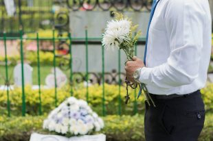 urlop okolicznościowy na pogrzeb i śmierć prababci